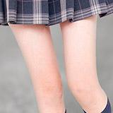 また一気に真冬!こんなに寒いのに何故 女子高生は生足にスカートなのか?